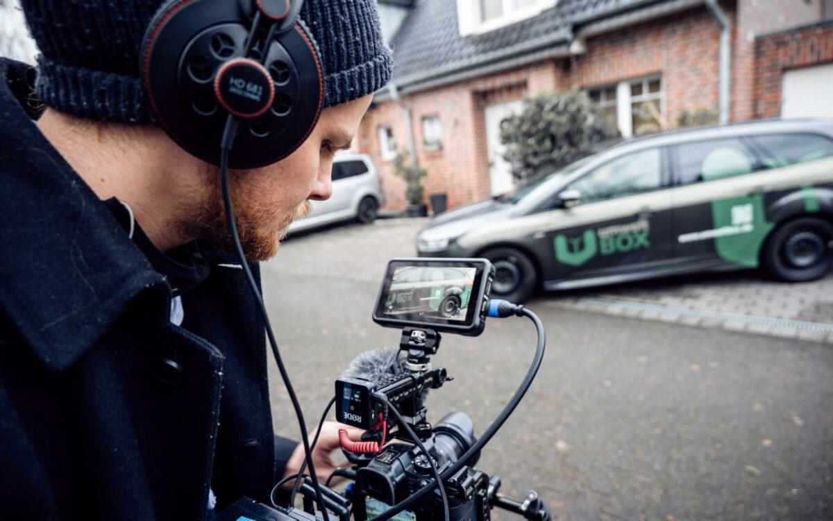 blick über die schulter von kameramann bei Imagefilm produktion
